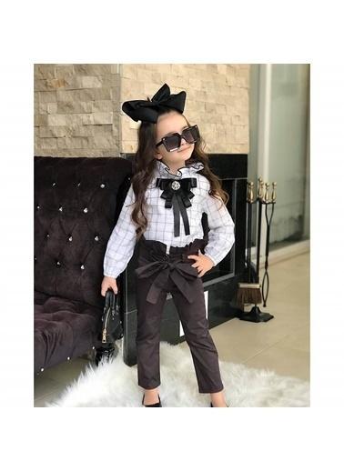 Quzucuk Kids Kız Çocuk Broş Detaylı Pantolon Takım Renkli